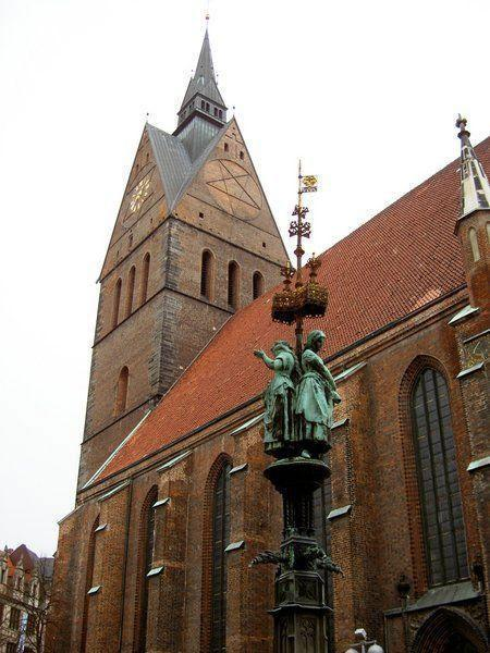 Церковь Св. Георга и Св Якоба в Marktkirche