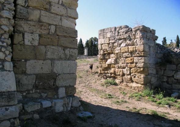 стены